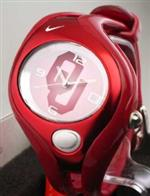 ナイキ 時計 Nike Triax Swift Analog NCAA University of Oklahoma Team Watch - Crimson/White -